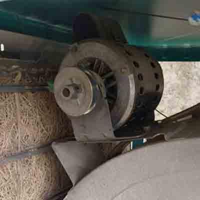 تصویری از موتور کولر آبی نصب شده بر روی کولر دست دوم