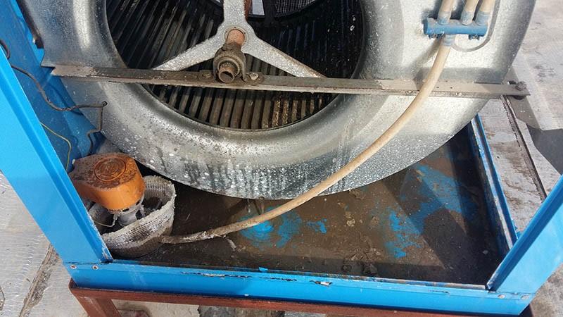 عکس قسمت داخلی کولر آبی و پمپ آب کولر آبی